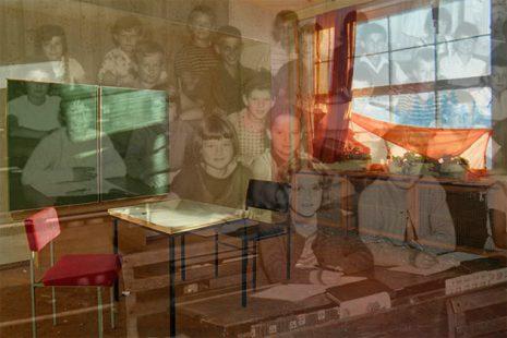 Bild von einer Schulkasse und Klassenzimmer
