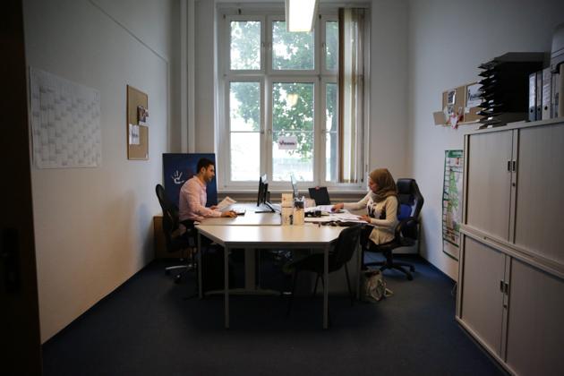 Im Verein Al-Tariq in Fürstenwalde engagiert Kahhal sich einmal wöchentlich für migrantische Familien.